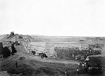 Roger-Viollet | 460525 | Drilling of the Suez Canal (Egypt) inaugurated in 1869. | © Roger-Viollet / Roger-Viollet