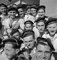 Roger-Viollet | 470576 | Sailors of the  Mistral . France, 1934. | © Gaston Paris / Roger-Viollet
