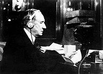 Roger-Viollet | 473710 | Guglielmo Marconi (1874-1937), Italian physicist and inventor. | © Albert Harlingue / Roger-Viollet