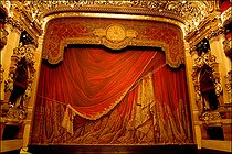 Roger-Viollet | 477387 | Opéra Garnier. Paris, on September 9, 2004. | © Colette Masson / Roger-Viollet