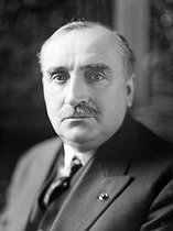Roger-Viollet   483719   Paul Claudel (1868-1955), French writer and diplomat. France, about 1930.   © Henri Martinie / Roger-Viollet