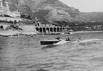 Roger-Viollet | 485023 | Boat meeting of Monaco. The motorboat  Dixie II . 1909. | © Maurice-Louis Branger / Roger-Viollet
