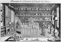 Roger-Viollet | 485065 | Laboratoire des Capucins du Louvre. | © Jacques Boyer / Roger-Viollet