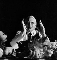 Roger-Viollet | 486306 | Roger Peyrefitte (1907-2000), French writer and diplomat. Paris, December 1980. | © Kathleen Blumenfeld / Roger-Viollet