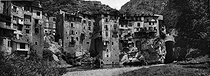 Roger-Viollet | 488629 | Pont-en-Royans (Isère). Around 1900. | © Léon & Lévy / Roger-Viollet