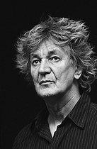 Roger-Viollet | 496390 | Jacques Higelin (1940-2018), French singer-songwriter and actor. France, on April 14, 2005. | © Patrick Ullmann / Roger-Viollet