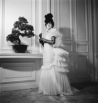 Roger-Viollet | 506337 | Coco Chanel | © Boris Lipnitzki / Roger-Viollet