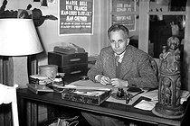 Roger-Viollet | 506401 | Louis Aragon, French writer, on March, 1945. | © LAPI / Roger-Viollet