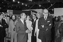 Roger-Viollet | 507469 | Inauguration du Centre National d'art et de culture Georges Pompidou en présence de Valéry Giscard d'Estaing, son épouse, accompagné de madame Pompidou, 1977. | © Jacques Cuinières / Roger-Viollet