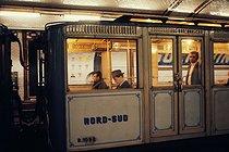Roger-Viollet | 507948 | Subway at the Solférino station, former North-South line. Paris (VIIth arrondissement), 1970. Photograph by Léon Claude Vénézia (1941-2013). | © Léon Claude Vénézia / Roger-Viollet