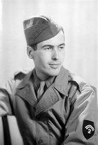 Roger-Viollet | 516715 | World War II. Valéry Giscard d'Estaing (1926-2020), serving as a Corporal. Paris, January 1945. | © Laure Albin Guillot / Roger-Viollet