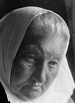 Roger-Viollet | 520187 | Catherine Brechko-Brechkovskaïa, the grandmother of the Revolution. | © Pierre Choumoff / Roger-Viollet