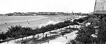 Roger-Viollet | 521297 | The Grande Conche beach. Royan (France). | © Neurdein / Roger-Viollet