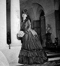 Roger-Viollet | 522485 | Coco Chanel (1883-1971), couturière française. Bal des Valses, organisé par le prince de Faucigny-Lucinge et le baron de Guinzbourg. Paris, juillet 1934. | © Boris Lipnitzki / Roger-Viollet