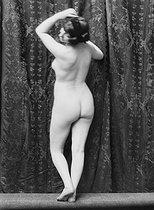 Roger-Viollet   524266   Study of a female nude.   © Léopold Mercier / Roger-Viollet