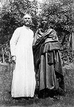 Roger-Viollet | 525743 | Blessed Charles de Foucauld and his travel companion in France, the Tuareg Ouksen, 1913. French National Library. | © Roger-Viollet / Roger-Viollet