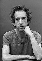 Roger-Viollet | 526347 | Arthur H (born in 1966), French musician and singer. France, on May 30, 2005. | © Patrick Ullmann / Roger-Viollet