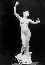 Roger-Viollet | 527723 | Felix Charpentier (1858-1924).  La chanson . | © Léopold Mercier / Roger-Viollet