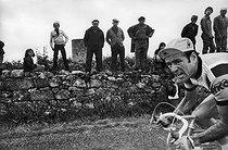 Roger-Viollet | 532983 | Raymond Delisle (né en 1943), coureur cycliste français, lors du Tour de France, 7 juillet 1977. | © Jean-Pierre Couderc / Roger-Viollet