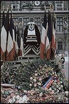Roger-Viollet | 538426 | World War II. Philippe Henriot's funeral, from the Place de l'Hôtel de Ville to Notre Dame de Paris Cathedral, Paris. Photograph by André Zucca (1897-1973). Bibliothèque historique de la Ville de Paris. | © André Zucca / BHVP / Roger-Viollet