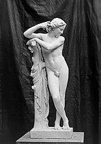 Roger-Viollet | 541219 | Jeune Apollon, Salon 1900. | © Léopold Mercier / Roger-Viollet