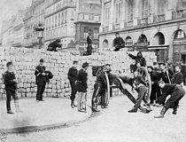 Roger-Viollet | 543236 | Paris Commune (1871). | © BHVP / Roger-Viollet