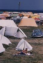 Roger-Viollet | 546801 | Camping tents, around 1960. | © Bernard Lipnitzki / Bernard Lipnitzki BLI / Roger-Viollet