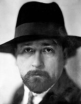 Roger-Viollet | 552475 | Albert Londres (1884-1932), French journalist. France, circa 1930. | © Henri Martinie / Roger-Viollet