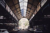 Roger-Viollet | 554887 | The Halles covered market and the pavillon Baltard. Paris (Ist arrondissement), 1969-1970. | © Roger-Viollet / Roger-Viollet