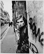 Roger-Viollet | 557919 | Jacques Doillon (born in 1944), French film editor, director, actor and scriptwriter. Paris, September 1990. | © Bruno de Monès / Roger-Viollet