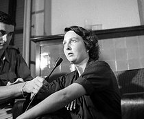 Roger-Viollet | 558932 | Geneviève de Galard, made military nurse prisoner in Dien's fall Well Phu, giving a press conference after her liberation by Viêt-minh. Hanoï, in May 25, 1954. | © Roger-Viollet / Roger-Viollet