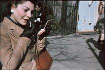 Roger-Viollet | 561145 | World War II. Place de l'Opéra. Photograph by André Zucca (1897-1973), original colors restored. Bibliothèque historique de la Ville de Paris. | © André Zucca / BHVP / Roger-Viollet
