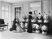 Roger-Viollet | 562110 | Draping corsages at Worth fashion house. Paris, 1907. | © Jacques Boyer / Roger-Viollet