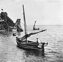 Roger-Viollet | 563276 | Suez (Egypt). Dredger and feluccas. 1869. | © Léon & Lévy / Roger-Viollet