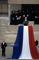 Roger-Viollet | 563285 | François Mitterrand (1916-1996), President of the French Republic, paying homage to Pierre Mendès France (1907-1982), French politician. Paris, 1982. | © Jean-Pierre Couderc / Roger-Viollet