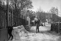 Roger-Viollet | 565371 | Louis-Ferdinand Céline (1894-1961), French writer. Meudon (France), 1955. | © Bernard Lipnitzki / Roger-Viollet