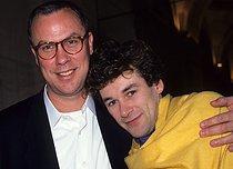 Roger-Viollet | 565730 | Patrick Dupond, French ballet dancer, with Bob Wilson, American director and plastic surgeon, 1988. | © Colette Masson / Roger-Viollet
