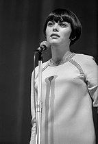 Roger-Viollet   568386   Mireille Mathieu (born in 1946), French singer, 1967. Photograph by Georges Kelaïditès (1932-2015).   © Georges Kelaïditès / Roger-Viollet