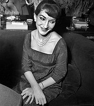 Roger-Viollet | 579582 | Maria Callas (1923-1977), Greek opera singer. Paris, December 1958. | © Claude Poirier / Roger-Viollet