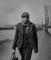 Roger-Viollet | 580197 | Along the river Deûle. Pont-de-la-Deûle, near Flers-en-Escrebieux (France), 1953. Photograph by Jean Marquis (1926-2019). | © Jean Marquis / Roger-Viollet