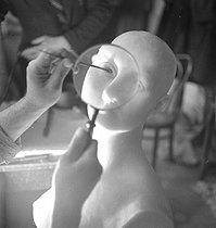 Roger-Viollet | 581887 | Making of a wax figure at the Grévin museum. Paris (IXth arrondissement), circa 1935. | © Gaston Paris / Roger-Viollet