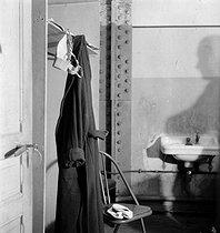 Roger-Viollet | 583431 | Dressing room of a circus artist. France, circa 1935. | © Gaston Paris / Roger-Viollet