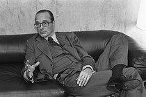 Roger-Viollet   587821   Jacques Chirac (born in 1932), mayor of Paris, during an interview. Paris, on February 8, 1978.   © Jean-Régis Roustan / Roger-Viollet