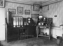 Roger-Viollet | 591271 | Ducretet's workshop in Paris. Electric study appliances, 1910. | © Ernest Roger / Roger-Viollet