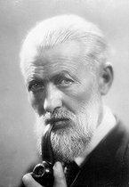 Roger-Viollet | 593149 | Kees Van Dongen (1877-1968), Dutch-born French painter. | © Roger-Viollet / Roger-Viollet