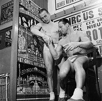 Roger-Viollet | 610385 | Fairground people. France, circa 1935. | © Gaston Paris / Roger-Viollet