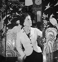 Roger-Viollet | 623409 | Coco Chanel (1883-1971), couturière française. Paris, 1937. | © Boris Lipnitzki / Roger-Viollet