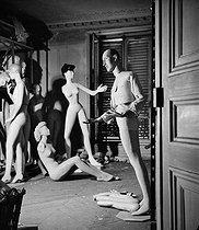 Roger-Viollet | 635530 | Display mannequins in the storeroom of the Galeries Lafayette department store. Paris (IXth arrondissement), 1949. | © Pierre Jahan / Roger-Viollet