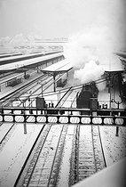 Roger-Viollet   635906   The tracks of the gare de l'Est under the snow. Paris (Xth arrondissement). Photograph by René Giton (known as René-Jacques, 1908-2003). Bibliothèque historique de la Ville de Paris.   © René-Jacques / BHVP / Roger-Viollet