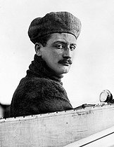 Roger-Viollet | 640102 | Roland Garros (1888-1918), French aviator and fighter pilot who first crossed the Mediterranean Sea on September 23, 1913, from Saint-Raphaël to Bizerte. | © Albert Harlingue / Roger-Viollet